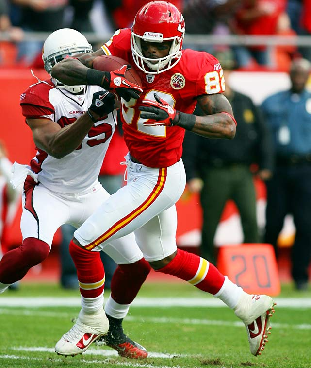 Six receptions for 109 yards and two TDs in 31-13 win over the Cardinals.