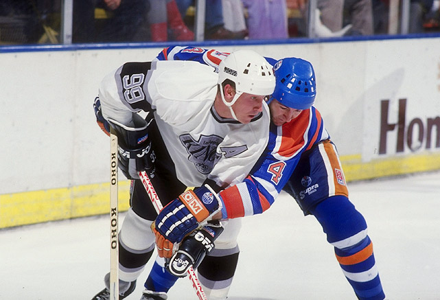 When Wayne Gretzky was traded from the Edmonton Oilers to the Los Angeles King in 1988, it was as if Canada had lost a family member. He was a hero who had won four Stanley Cups for the team, and when he left for the bright lights of Hollywood, the country felt betrayed. In October 1988, those feelings of resentment had faded though, and a visiting Gretzky received a four-minute standing ovation from the Edmonton crowd.