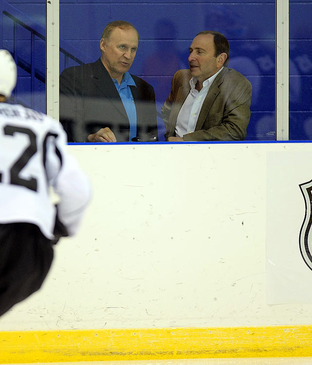 "The NHL's discipline czar ordinarily takes heat for his maddeningly inconsistent rulings, but Campbell (left) really found himself in the soup after embarrassing e-mails were made public. In one exchange with then-director of officiating Stephen Walkom, Campbell referred to Marc Savard as ""the biggest faker going"" and raised suspicions that his refusal to suspend Pittsburgh's Matt Cooke for concussing Savard may have been based on his personal dislike of the Bruins center."