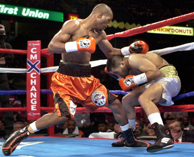 Hopkins dominated Hakkar before a hometown crowd for yet another successful defense of the 160-pound title.