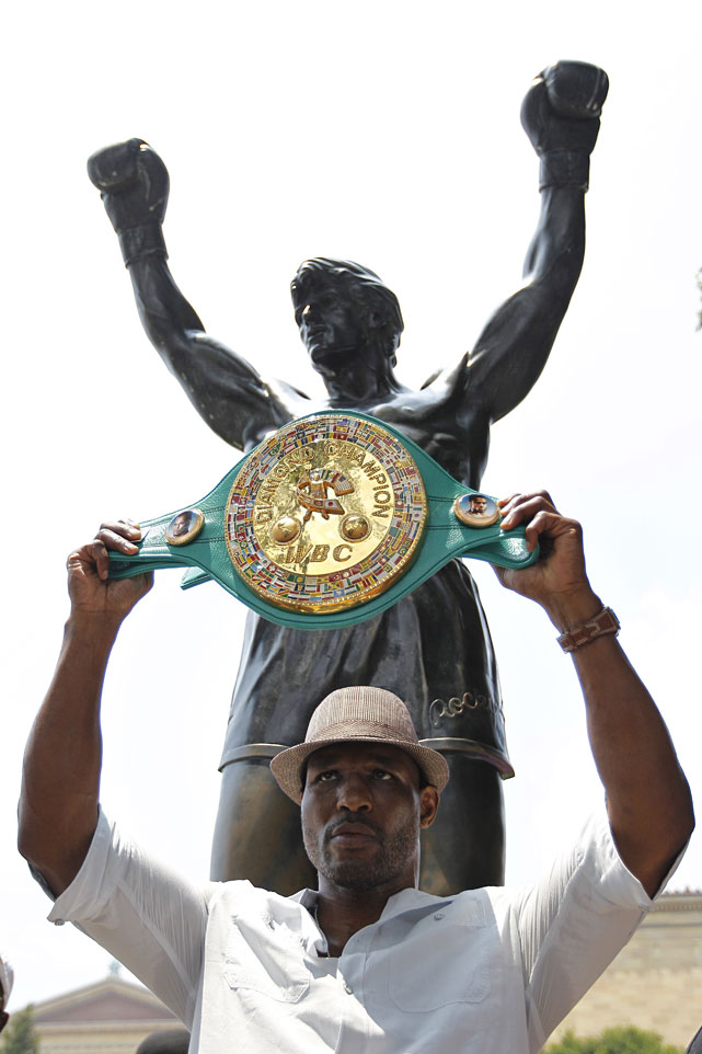 Hopkins was honored by Philadelphia mayor Michael Nutter for winning the WBC light heavyweight championship in a well-attended ceremony at the Rocky statue at the foot of the Philadelphia Museum of Art.
