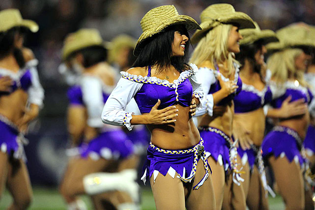 Nfl Cheerleaders Week 13 Si Com