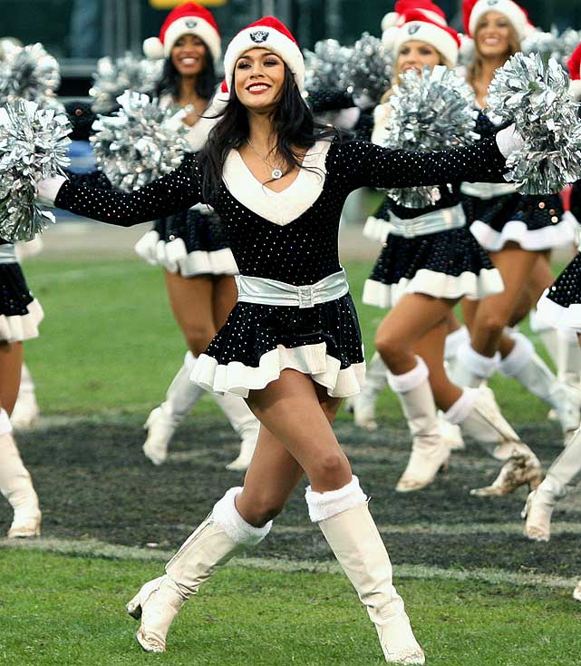 Oakland Raiders  sc 1 st  Sports Illustrated & NFL Cheerleaders: Week 15 | SI.com