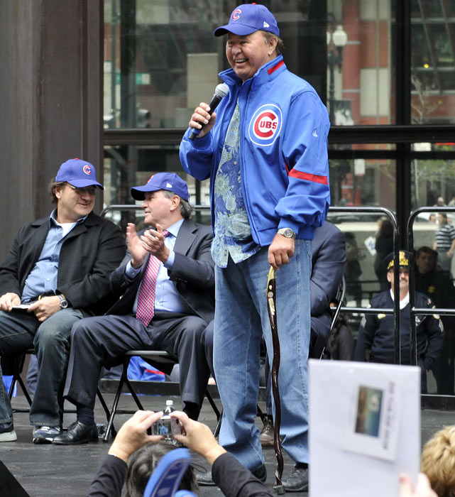 Santo addresses the fans as the Chicago Cubs celebrate their playoff berth with a rally in Daley Plaza.