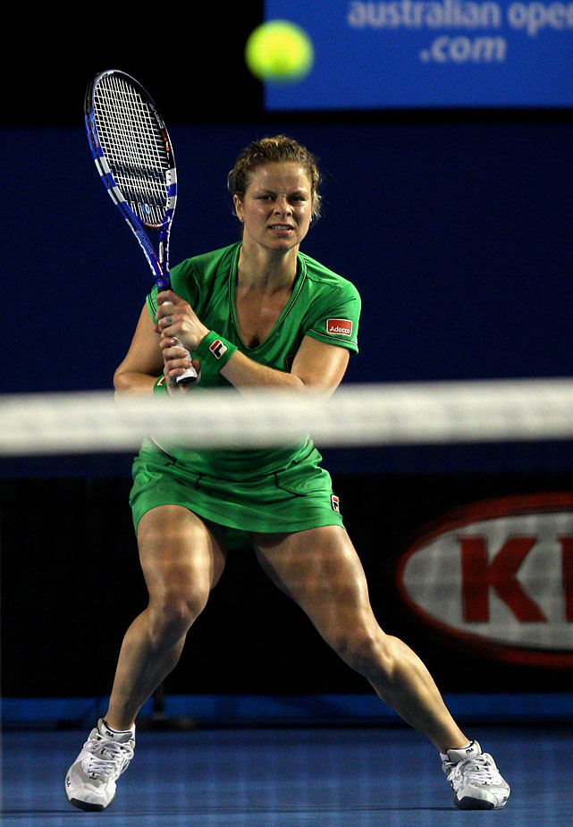 Clijsters hits a return to Li.