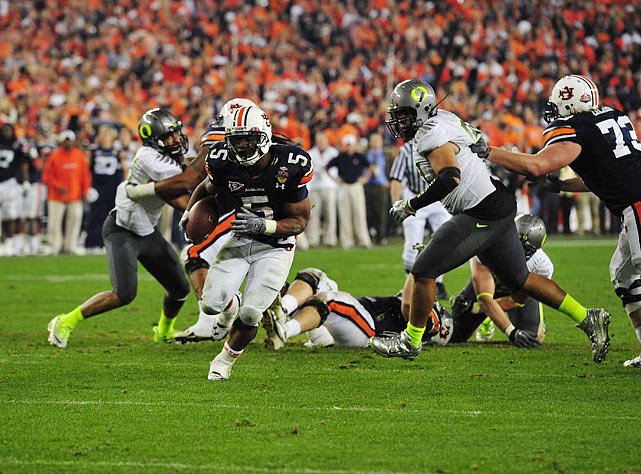 Michael Dyer carried the ball three times for 55 yards on Auburn's final drive, including a 16-yard dash to the 1-yard line that set up Wes Byrum's winning field goal.