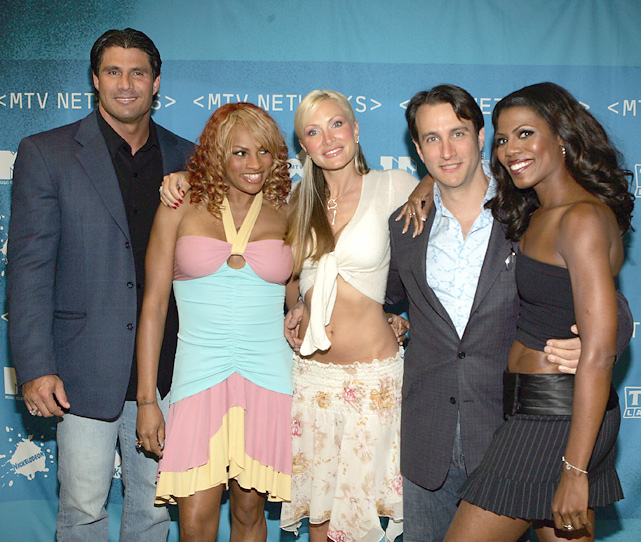 Canseco, a sucker for the Hollywood limelight, got a chance to star in a VH1 reality show in 2005. He was cast in the Surreal Life, where he lived in a mansion with D-List celebrities, including Sandi Denton of Salt n Pepa, Caprice Bourret, Bronson Pinchot and Omarosa Manigault-Stallworth.