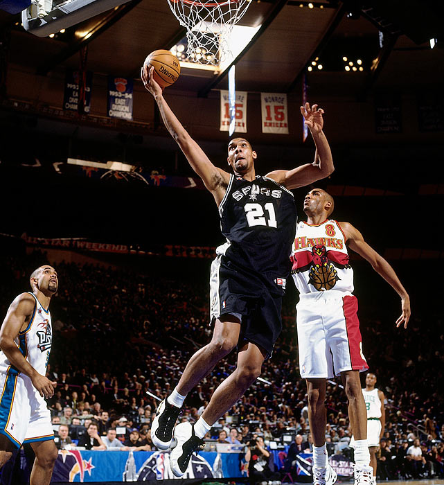 Tim Duncan beat out Keith Van Horn to be the No. 1 pick in the 1997 Draft and didn't disappoint the Spurs, who paired him alongisde David Robinson. The Wake Forest product averaged 21.1 points, 11.9 rebounds and 2.5 blocks his rookie year and led the Spurs to a 53-29 record.