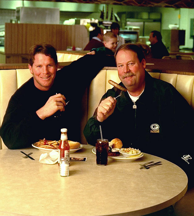 Favre and head coach Mike Holmgren led the Packers to five straight playoff runs from 1994 to 1998. The stretch included two Super Bowl appearances, including a victory in XXXI in 1997.
