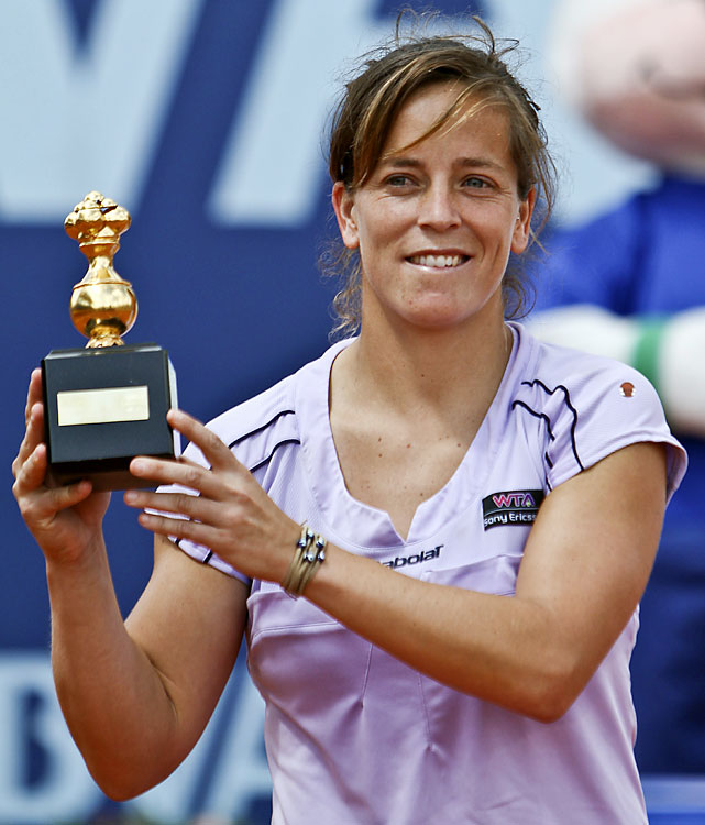def. Mathilde Johansson 2-6, 6-3, 6-2 WTA International, Clay, $220,000 Bogota, Colombia
