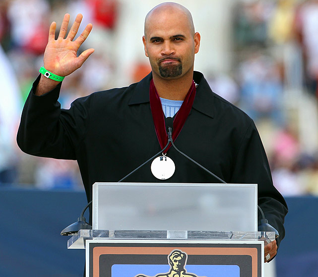 "Pujols waves after he was presented with a Hope Award during the ""Restoring Honor"" rally in front of the Lincoln Memorial in Washington, D.C."