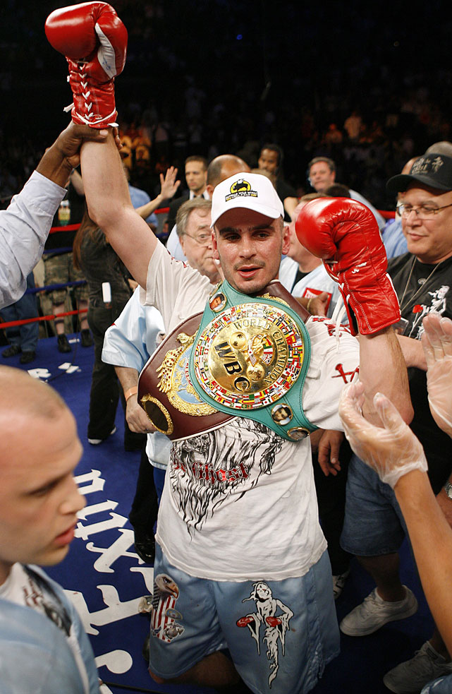 Pavlik celebrates after defeating Lockett by third-round TKO.