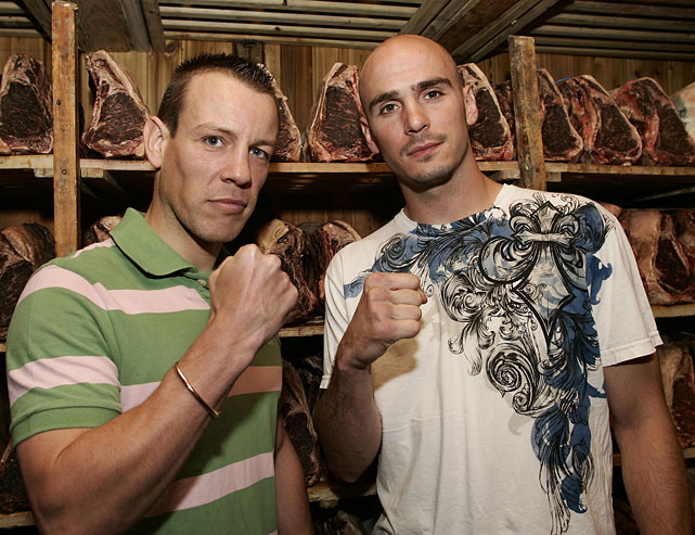 Pavlik made his first middleweight title defense against mandatory challenger Gary Lockett of Wales. Here, the two pose in the meat locker at Gallagher's Steak House in New York.