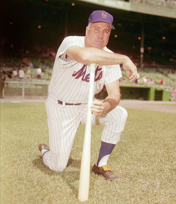 After the 1962 season, Snider was sold to the Mets, marking a return to New York after the Dodgers moved to Los Angeles in 1958. In one season with the Mets, Snider batted .243 with 14 home runs and 45 RBIs.