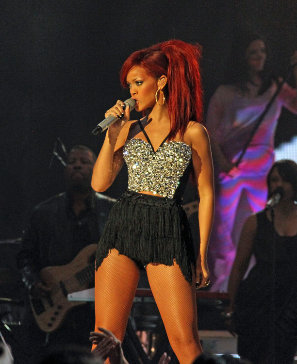 Rihanna had most of Staples Center saying her name during the All-Star Game's halftime show.
