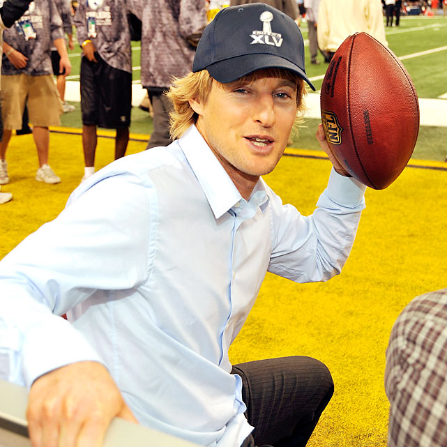 Owen Wilson was part of the pregame show and then played a game of catch on the field before kickoff.
