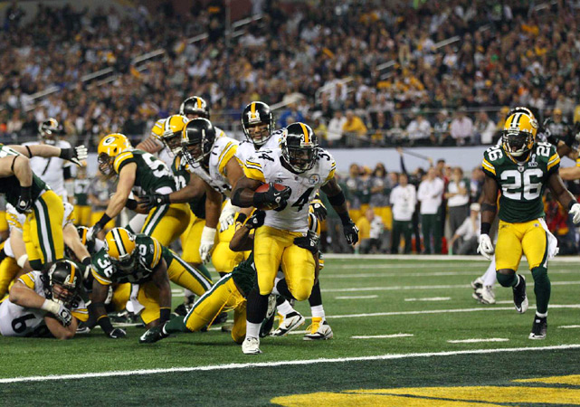 Rashard Mendenhall scores an eight-yard touchdown in the third quarter to draw the Steelers within a score at 21-17.