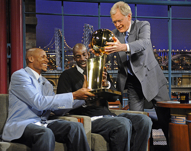 Allen and Garnett show off the Larry O'Brien Trophy to David Letterman.