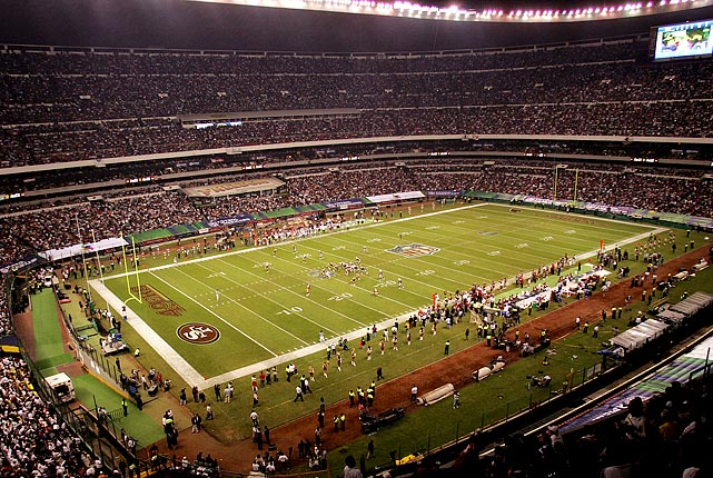 The Arizona Cardinals trounced the San Francisco 49ers 31-14 in the first NFL game ever held outside of the United States. The game, held at Estadio Azteca in Mexico City, drew a then-record crowd of 103,467 fans.