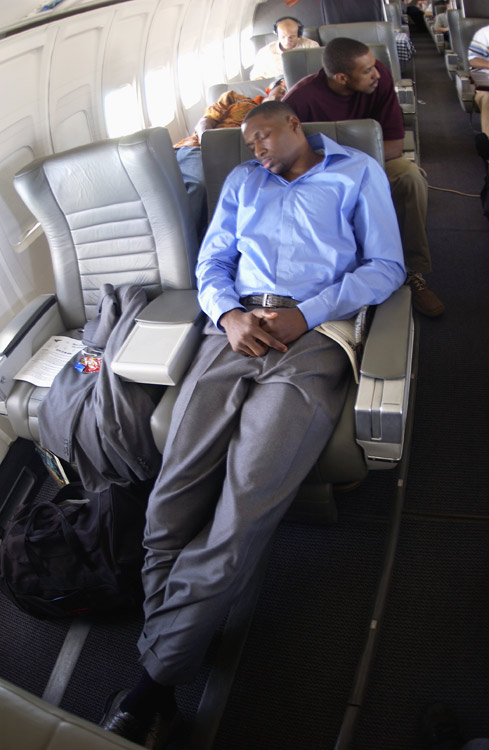 Then with the Hawks, journeyman center Theo Ratliff got comfortable on the team's charter plane.