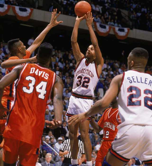 In one of the most famous shots in school history, Tate George coverts a jumper with one second left to beat Clemson in the Sweet 16. The shot gave UConn a 71-70 victory, moving it to the Elite Eight for the first time since 1964.