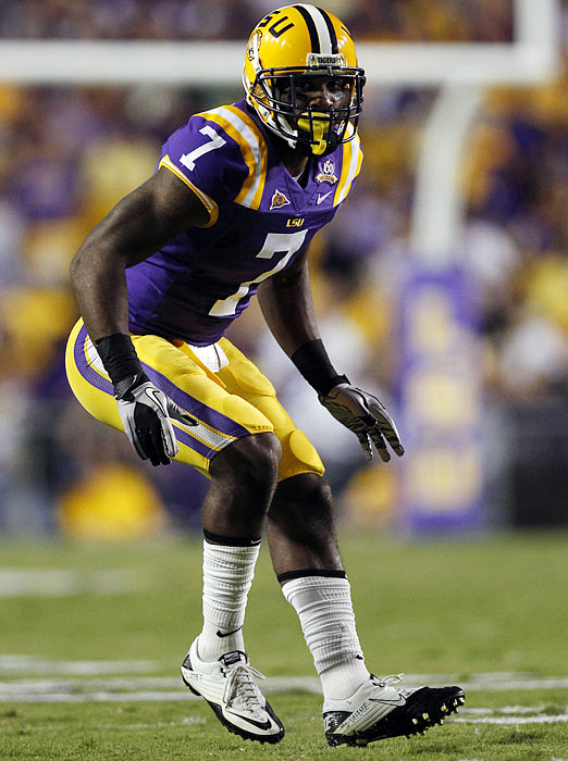 Will Pick:   Patrick Peterson , CB, LSU    Should Pick:   Patrick Peterson , CB, LSU   I see the Texans trading up four spots with the 49ers here. With a horrendous secondary that allowed opposing QBs to complete 64.7 percent of their passes for 33 touchdowns, Houston can't afford to take a chance on missing out on either of the corners of great value. The Texans will also be tempted to fill a need with defensive end Robert Quinn, but the smarter choice is Peterson, who's much more of a sure thing at his position.