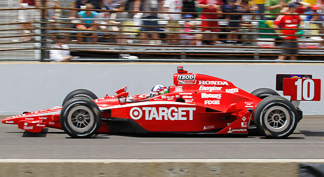 Dario Franchitti, of Scotland, speeds down the front straightaway during the Indianapolis 500 auto race at the Indianapolis Motor Speedway in Indianapolis.