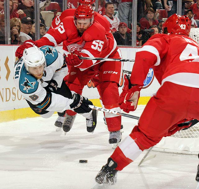 Using defense like this, the Red Wings outlasted the Sharks 4-3 in Game 4 of the Western Conference semifinals. Even with the victory the Red Wings still trailed 3-1 in the series.