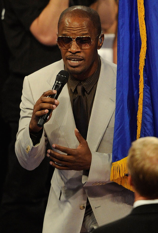 """The actor/singer performed """"America the Beautiful"""" before Saturday's welterweight title fight between Manny Pacquiao and Shane Mosley in Las Vegas."""