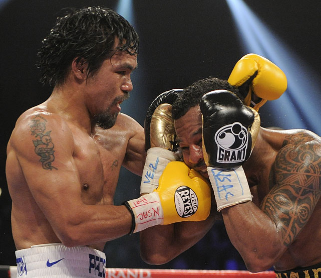 Pacquiao lands a punch against Mosley in the seventh round.