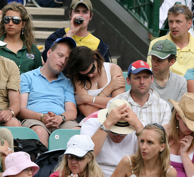 Most tennis fans would kill for a ticket to Wimbledon, but these spectators used it as an opportunity to catch up on their sleep.