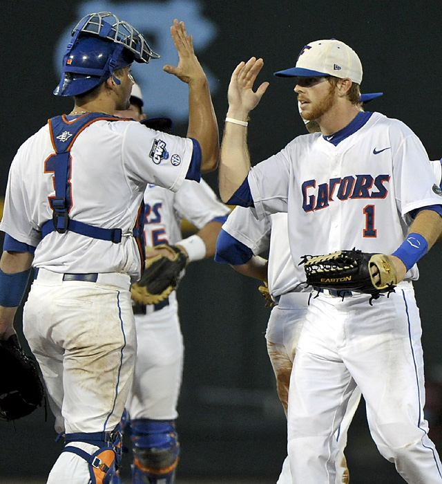 Mike Zunino (3), Bryson Smith (1) and the Gators advanced to face the Commodores in a Region 1 winner's bracket game.