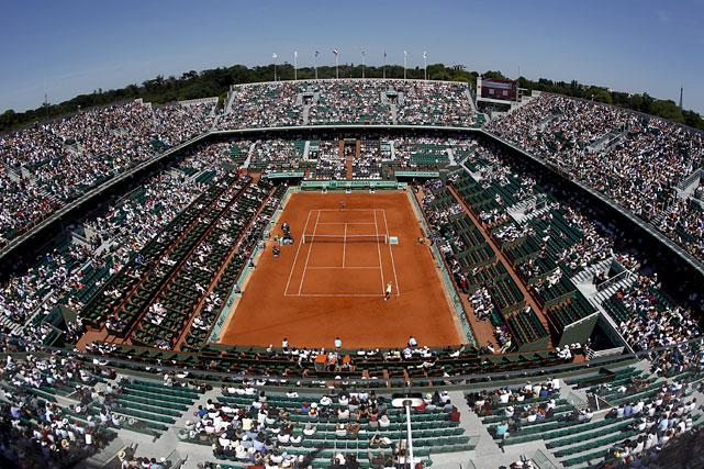 Wide view of Court Philippe Chatrier during Thursday's first women's semifinal.