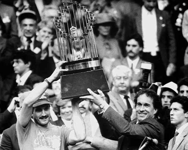 The 1979 NL MVP and Carter lift the World Series trophy in front of City Hall as part of the team's celebration. Hernandez hit .310 during the 1986 season.