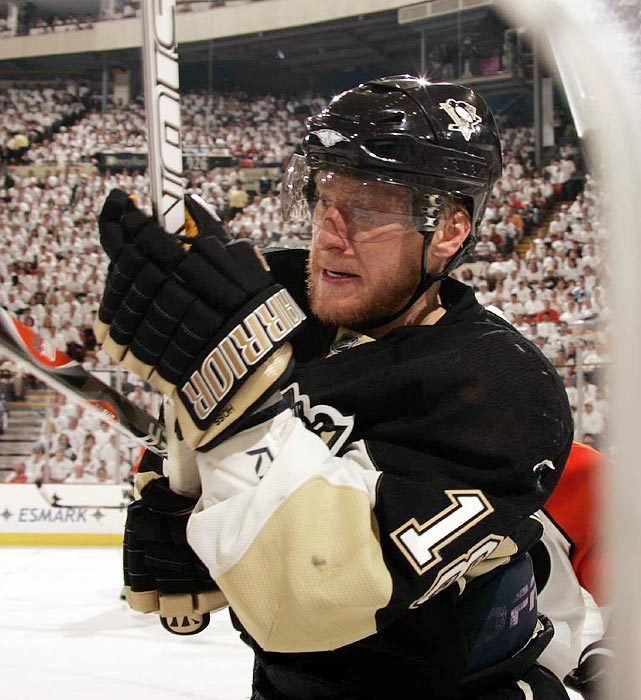 One of the stars of the 2008 Pittsburgh Penguins, Marian Hossa left the Penguins after that season for the Detroit Red Wings, the team that had defeated Pittsburgh in the Stanley Cup finals. Penguins fans got their revenge in 2009 when Pittsburgh defeated Hossa's team in the Stanley Cup finals.