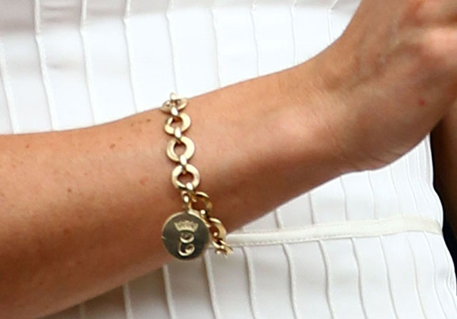 Detailed shot of Kate's bracelet during the Williams-Pironkova match.