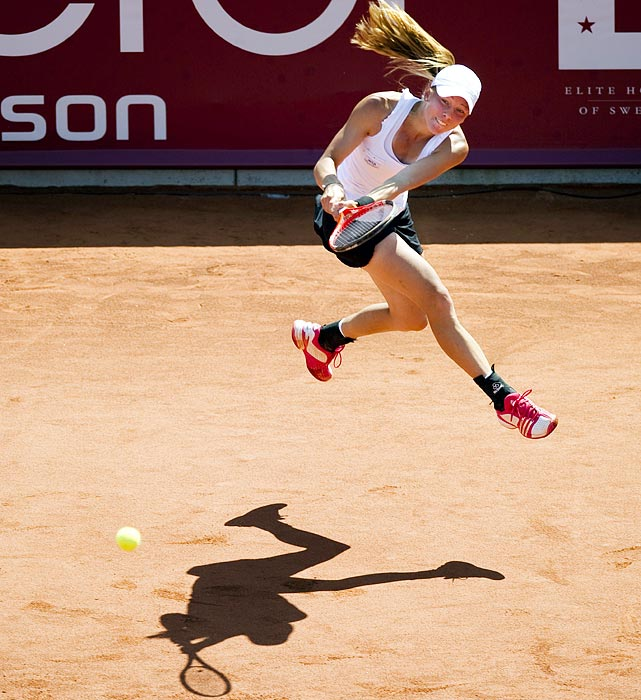 Johanna Larsson tried to conjure up some magic in her native Sweden during the Collector Swedish Open but was outdueled by Polona Hercog of Slovenia. Hercog needed only two sets to dispose of the crowd favorite.