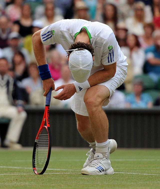 Andy Murray reacts after losing to Rafael Nadal in Friday's semifinals.