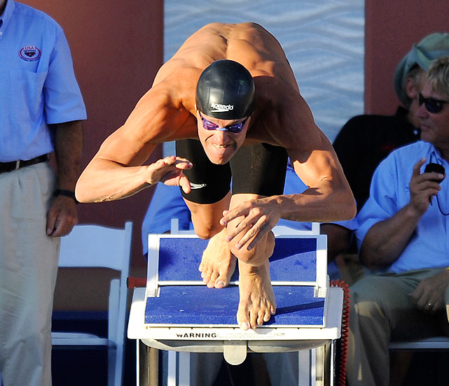 Hansen, who turns 30 this month, shook off the rust and swept the breaststrokes in his first national meet after nearly three years away from competition.