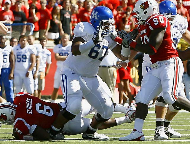 The 6-3, 340-pounder led the Wildcats in knockdown blocks in 2010 with 43.