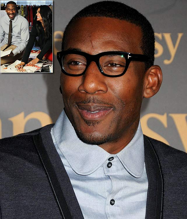 Amar'e embraced his inner Tim Gunn by working with designer Rachel Roy and wearing hipster glasses ... everywhere.