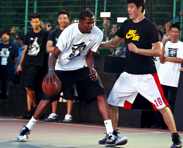 Kevin Durant just dominated every streetball and pro-am league in the country. No. Big. Deal.