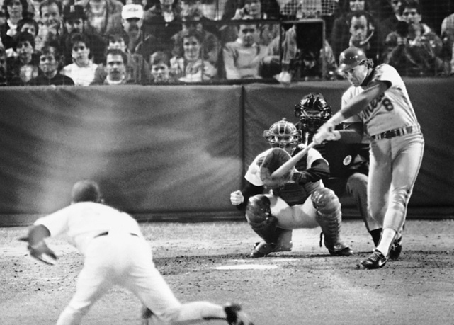 In Game 4, Gary Carter homered twice as the Mets rolled 6-2 to even the series at two games apiece.