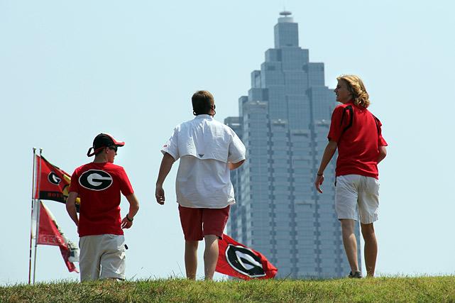 Georgia fans behold the Atlanta skyline.