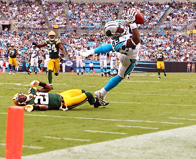 Steve Smith couldn't bring this ball down inbounds during his six-catch, 156-yard performance in the Panthers' 30-23 loss to Green Bay.