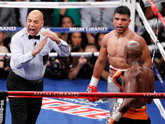 Mayweather remained unbeaten in 42 fights, scoring the knockout he had predicted. Ortiz, who lost his 147-pound title, fell to 29-3-2.