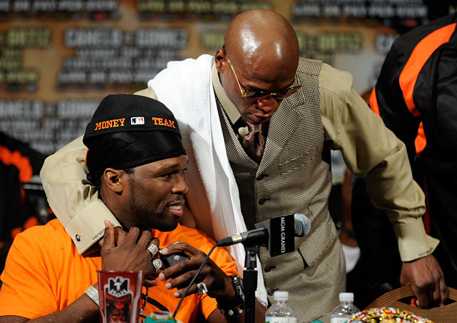 "Mayweather celebrated with ""best friend"" 50 Cent afterward."