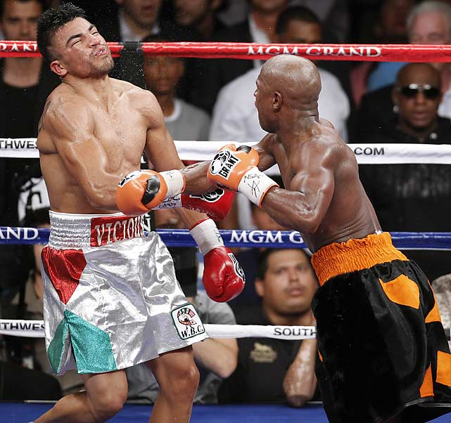 The end came just as the two fighters emerged from a break, in which Ortiz had embraced Mayweather in the center of the ring to apologize for the head butt. As they broke, Mayweather shot out a left hand and followed it with a right that put Ortiz down in his corner.