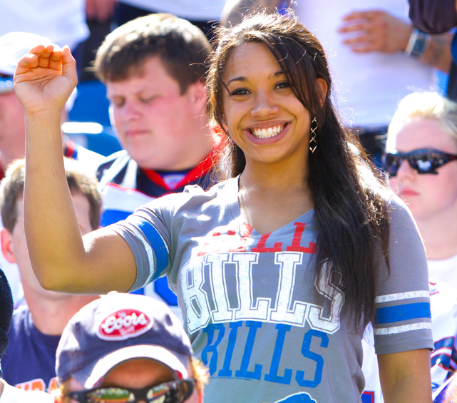 Female Fans Of The Nfl  Sicom-8029