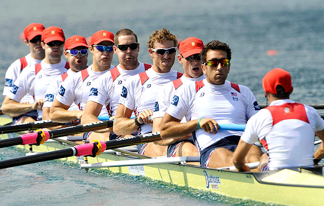 U.S. rowers team up during the men's eight semifinals.